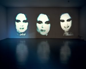 Katharina Sieverding, Transformer, 1973/74, Installationsansicht, Close Up, MoMA PS1, New York 2004–2005 © Katharina Sieverding, VG Bild-Kunst, Bonn 2017 © Foto: Klaus Mettig, VG Bild-Kunst, Bonn 2017
