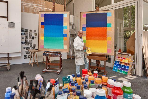 Heinz Mack im Atelier 2015. Foto-Archiv Heinz Mack VG Bild-Kunst. Bonn 2015.