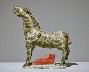 Markus Luepertz: Trojanisches Pferd, 2016. handbemalte Bronzeskulptur