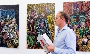 Enno Wallis hat die am Sonntag öffnende Ausstellung kuratiert und gehängt. Foto: t&w