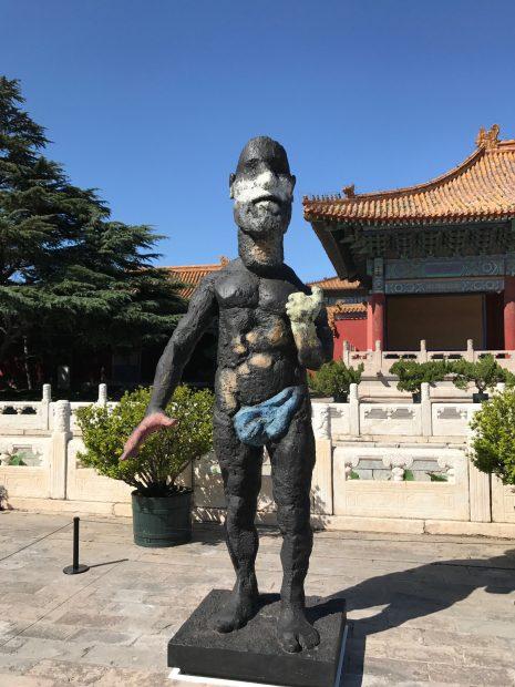 Markus Lüpertz Urano vor dem Taimiao-Tempel der verbotenen Stadt