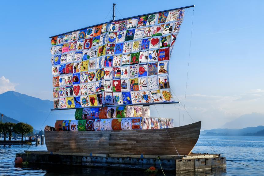 "Ilya und Emilia Kabakov ""The Ship of Tolerance, Zug"", 2016. Fotos: Jens Krauer"