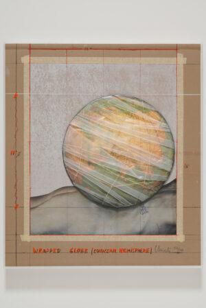 Christo, Wrapped Globe (Eurasian Hemisphere), 2019 (gerahmt)