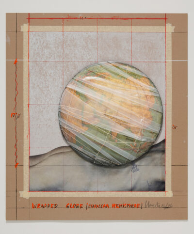 Christo und Jeanne-Claude Wrapped Globe (Eurasian Hemisphere) Collage Grafik 2019