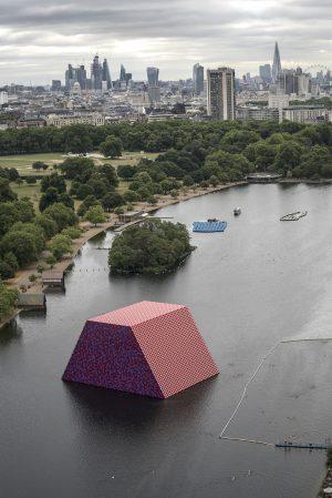 Christo & Jeanne-Claude, Wolfgang Volz, The London Mastaba, Motiv 5, 2018,