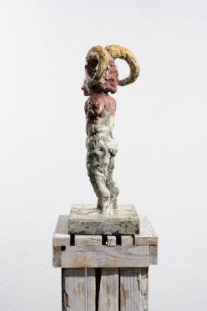 Markus Lüpertz, Sternzeichen – Steinbock, Skulptur, 2018. Bronze, handbemalt, 53 x 37 x 20 cm, 30 arab. zzgl. 6 röm. Exemplare | Entdecken Sie die Tiekreiszeichen von Markus Lüpertz