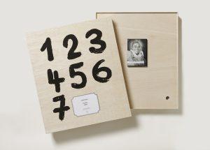 Günther Uecker, Kalender 2009 gestaltete Holzkiste und DVD