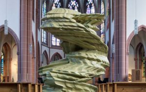 Tony Cragg Skulpturen in der St. Agnes Kirche in Köln