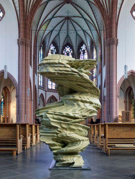 Tony Cragg Skulpturen in der St. Agnes Kriche in Köln
